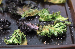 Healthy Eating During The Holidays: Kale Chips